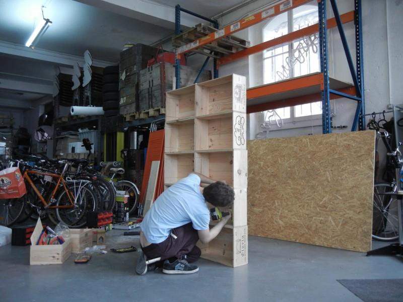 Fabrication d'une étagère en caisses de vin